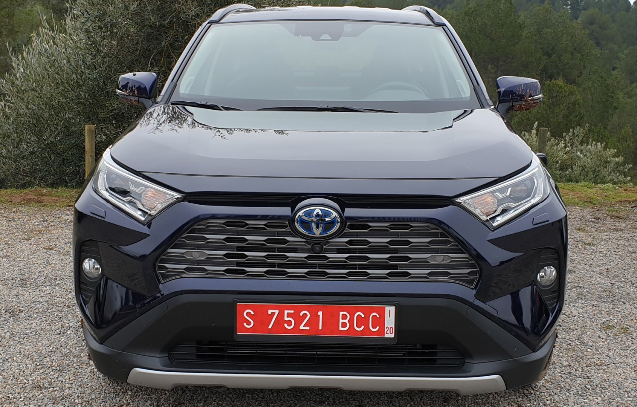 First World Test: Toyota RAV4 Hybrid